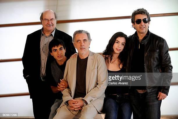 Writer Antonio Skarmeta actor Abel Ayala director Fernando Trueba actress Miranda Bodenhofer and actor Ricardo Darin attend 'El Baile de la Victoria'...