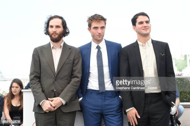 Writer codirector Joshua Safdie actor Robert Pattinson and Codirector Ben Safdie attend the 'Good Time' photocall during the 70th annual Cannes Film...