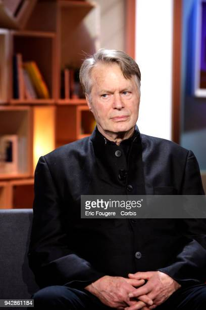 """Writer J.M.G. Le Clezio poses during Tv talk show """" La Grande Librairie"""" on France 5 presented by Francois Busnel in Paris, France on ."""