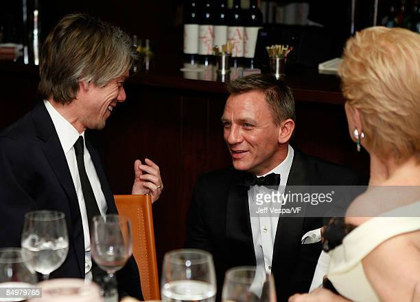 Writer Stephen Gaghan actor Daniel Craig and designer Carolina Herrera attend the 2009 Vanity Fair Oscar party hosted by Graydon Carter at the Sunset...