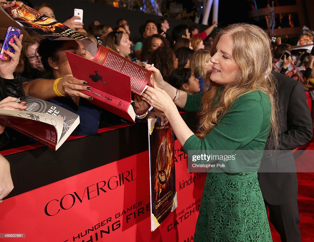 Premiere Of Lionsgate's 'The Hunger Games: Catching Fire' - Red Carpet : News Photo