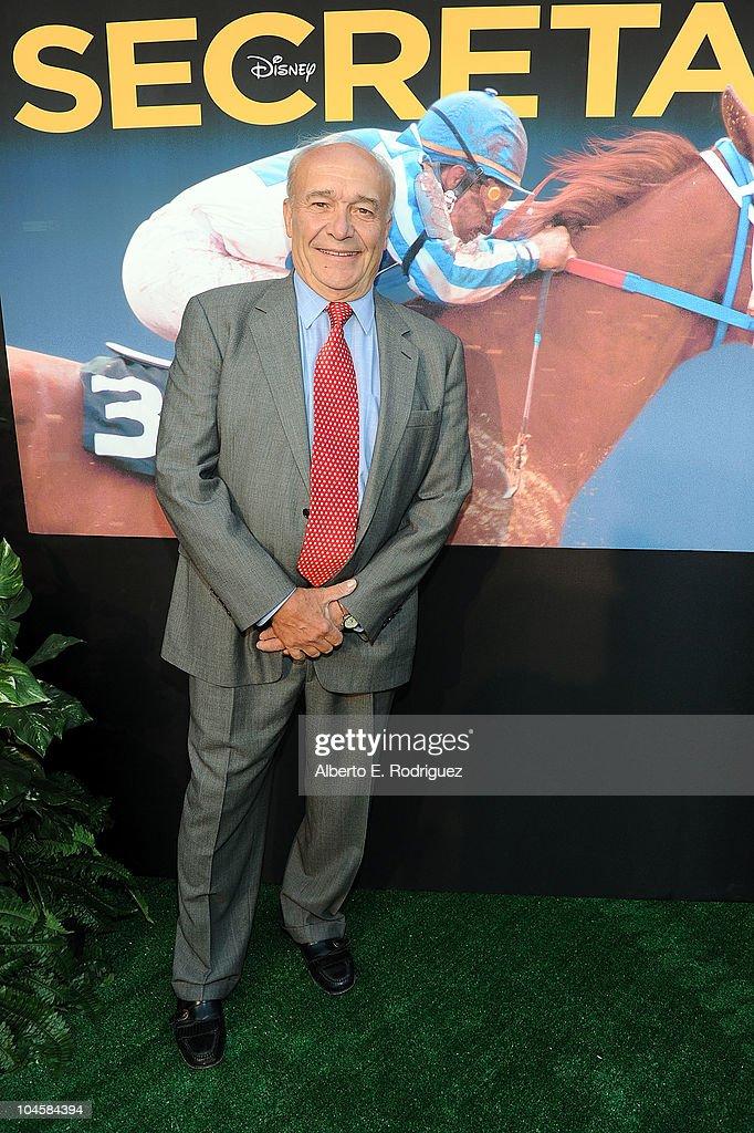 "Premiere Of Walt Disney Pictures' ""Secretariat"" - Red Carpet : News Photo"