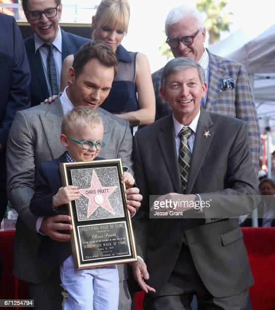 Writer/director James Gunn and actor Anna Faris Jack Pratt actor Chris Pratt and Hollywood Chamber of Commerce President/CEO Leron Gubler at the...
