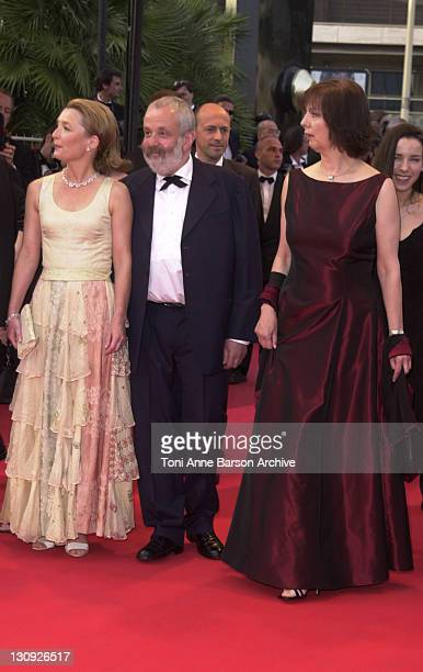 Writer/director Mike Leigh cast members of All or Nothing