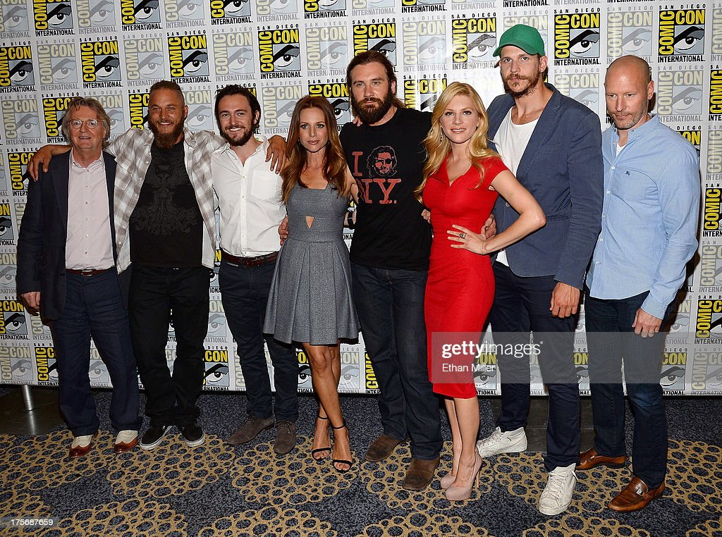 "All Hail ""Vikings"" at Comic-Con International 2013 - ""Vikings"" Media Room : Nachrichtenfoto"