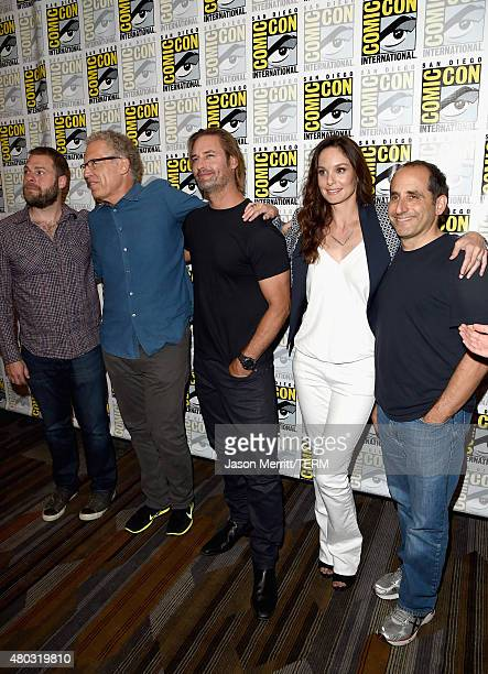 Writer/producers Ryan Condal Carlton Cuse actors Josh Holloway Sarah Wayne Callies and Peter Jacobson attend the 'Colony' press room during ComicCon...