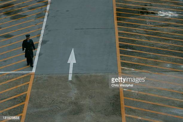 wrong way - wrong way stock pictures, royalty-free photos & images