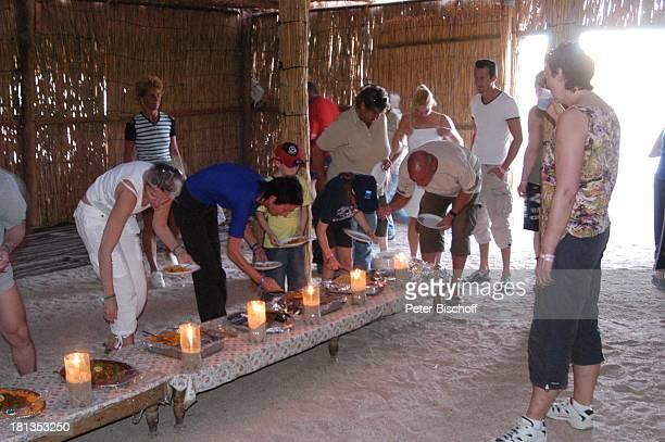 Wüste bei Hurghada Ägypten Afrika Abendessen im Camp Touristen Buffet orientalisch Wüstentour ProdNr 523/2006 Reise