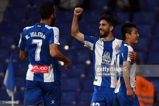 Wu Lei of RCD Espanyol celebrates with team mate Didac Villa after scoring the La Liga match between RCD Espanyol and RC Celta de Vigo at RCDE...