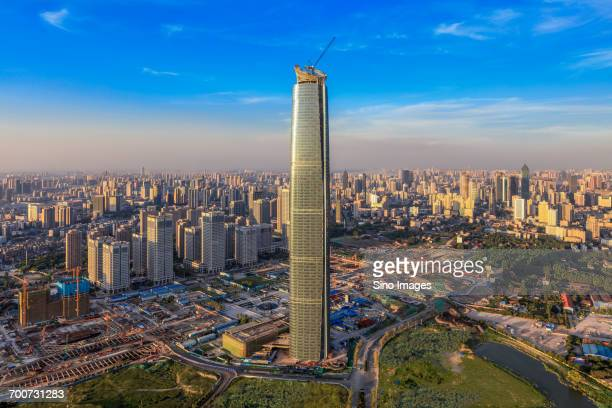wuhan center skyscraper - wuhan stock-fotos und bilder