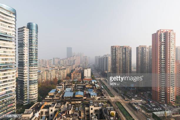 wuhan cityscape during the day time - wuhan bildbanksfoton och bilder