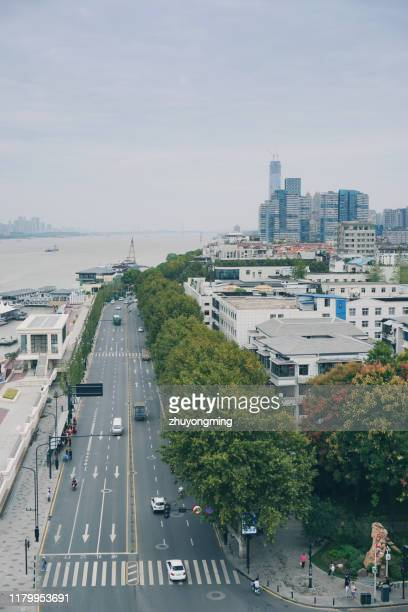 wuhan yangtze river cityscape - wuhan stock pictures, royalty-free photos & images