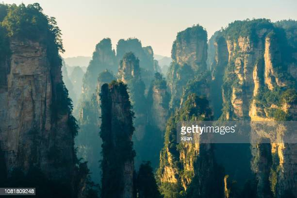 parque nacional de wulingyuan, zhangjiajie, china - paisajes de china fotografías e imágenes de stock