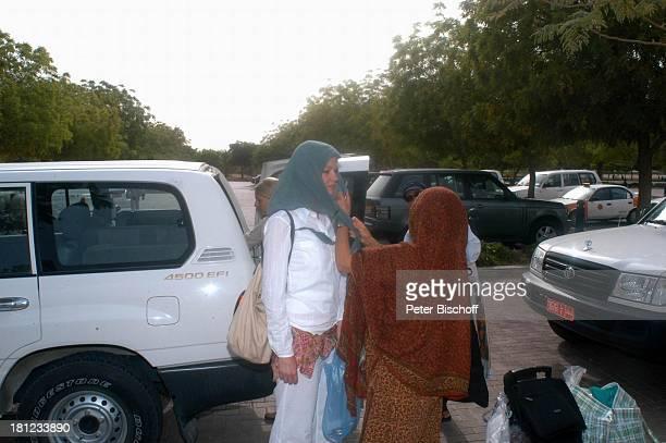 Katrin Dröge Dreharbeiten der ZDFReihe Traumschiff Folge 49 Oman Episode 1 Wunschkind Muscat/Oman/Arabien Grosse Moschee von Sultan Qaboos Golf von...