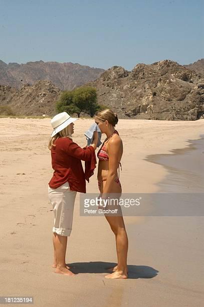 Tanja Wedhorn Maskenbildnerin Dreharbeiten der ZDFReihe Traumschiff Folge 49 Oman Episode 1 Wunschkind Muscat/Oman/Arabien Hotel Al Bustan Palace...
