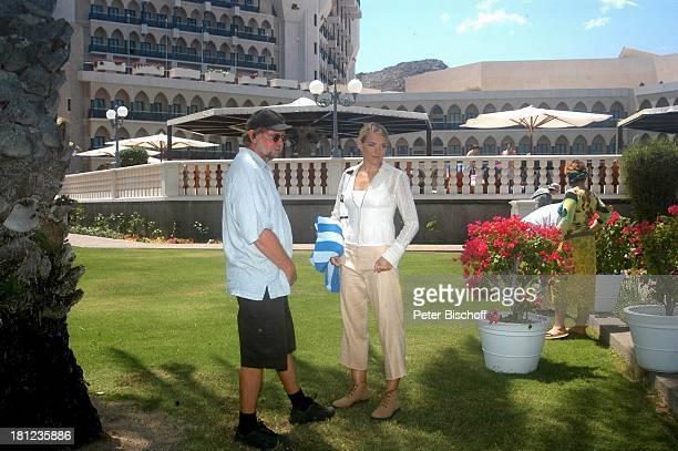 Tanja Wedhorn Regisseur Michael Steinke Dreharbeiten der ZDFReihe Traumschiff Folge 49 Oman Episode 1 Wunschkind Muscat/Oman/Arabien Hotel Al Bustan...
