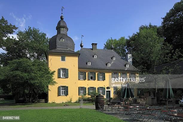 WuppertalVohwinkel Luentenbeck castle moated castle restaurant baroque