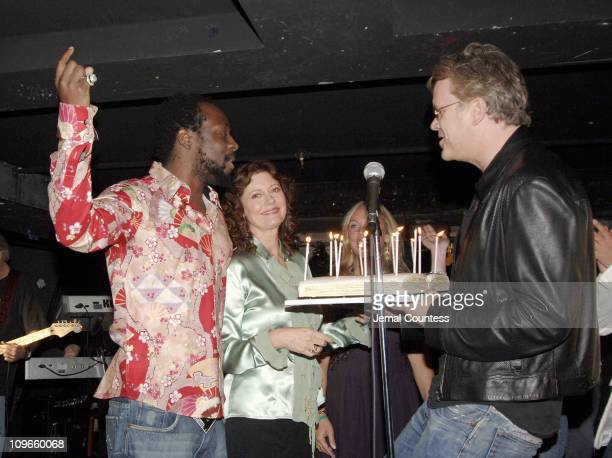 Wyclef Jean Susan Sarandon and Tim Robbins as Susan is honored with a birthday cake commemerating her actual birthday