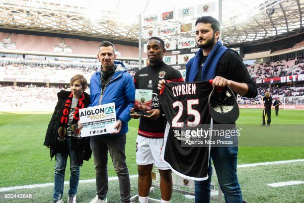 Wylan Cyprien of Nice receives the award 'Aiglon of the month' during the Ligue 1 match between OGC Nice and Nantes at Allianz Riviera on February 18...