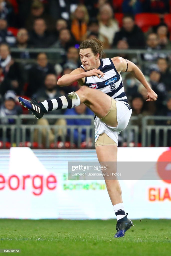 AFL Rd 15 - GWS v Geelong : News Photo
