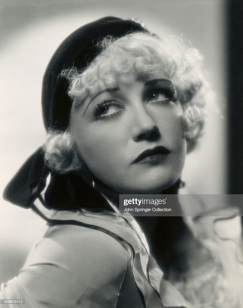 Wynne Gibson as Violet from the Film If I Had a Million News Photo - Getty  Images