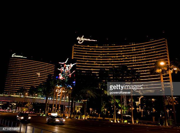 wynn/encore hotel and casino nighttime - wynn las vegas stock pictures, royalty-free photos & images