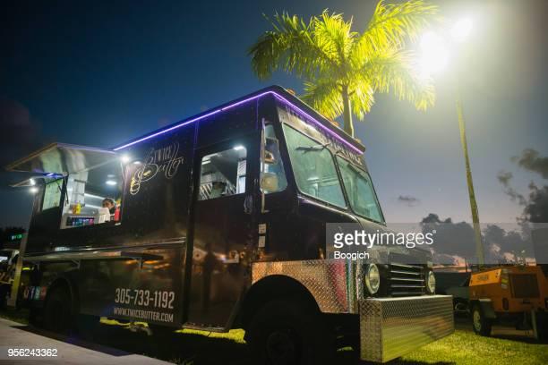 caminhão de comida wynood na noite de miami eua - usa - fotografias e filmes do acervo