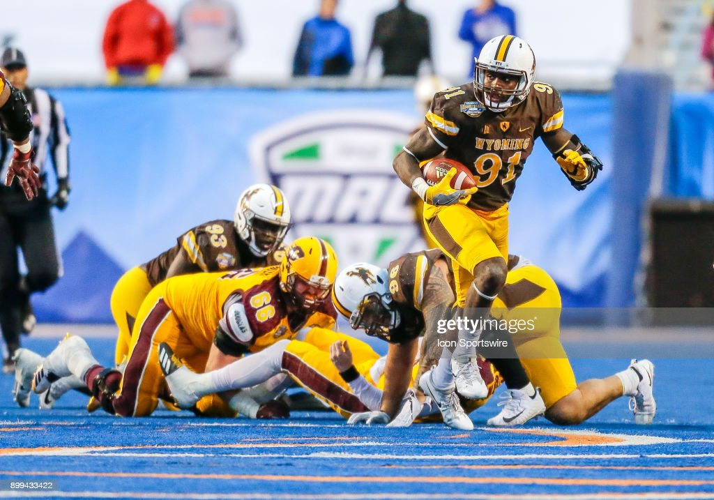 COLLEGE FOOTBALL: DEC 22 Famous Idaho Potato Bowl - Central Michigan v Wyoming : News Photo