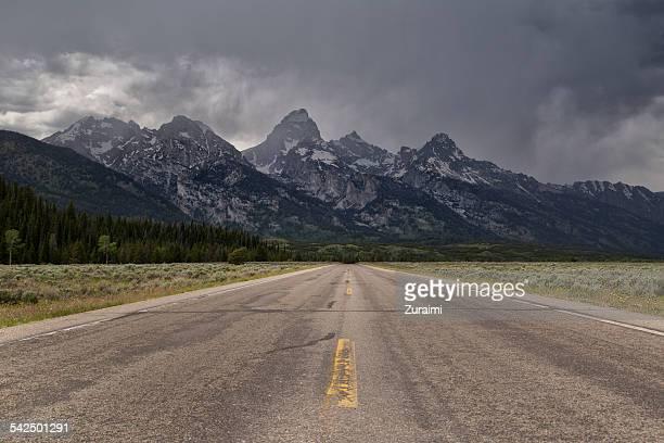 USA, Wyoming, Grand Teton National Park, Road to mountains