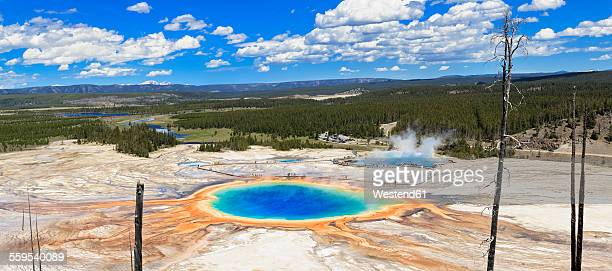 USA, Wyoming, Yellowstone National Park, Grand Prismatic Spring, Panorama