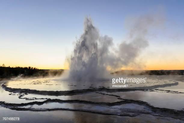 USA, Wyoming, Yellowstone National Park, Lower Geyser Basin, Firehole Lake Drive, Great Fountain Geyser