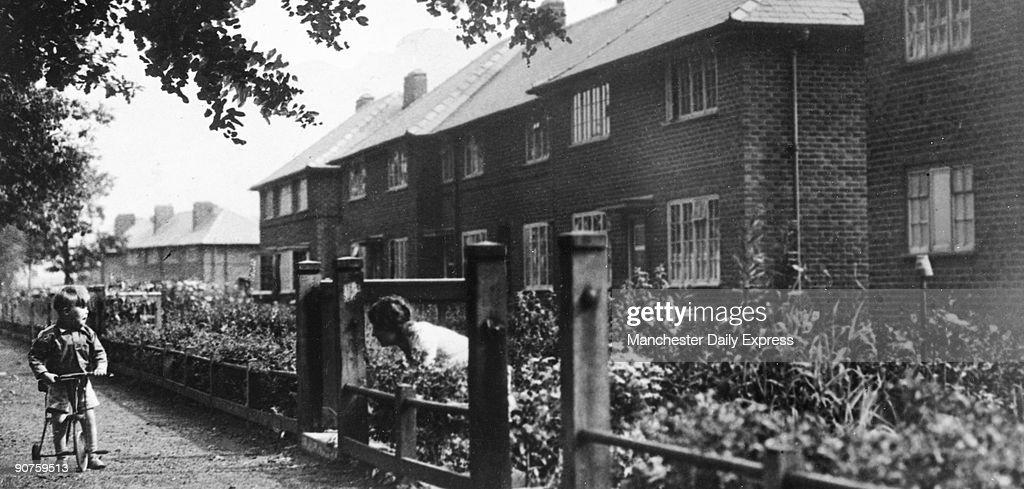Wythenshawe Garden City, Manchester, March 1940. : News Photo