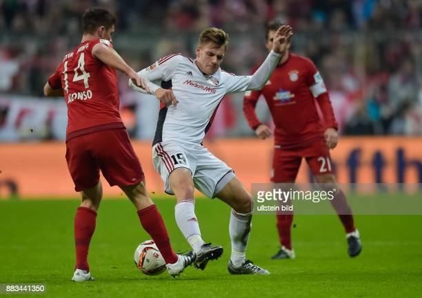 Xabi Alonso im Zweikampf mit Max Christiansen waehrend dem Fussball Bundesliga Spiel FC Bayern Muenchen gegen den 1 FC Ingolstadt 04 am 16 Spieltag...