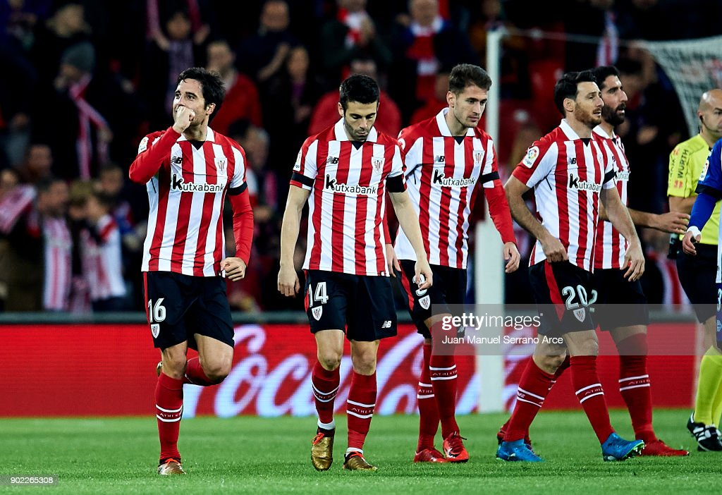 Xabier Etxeita of Athletic Club celebrates after scoring goal during the La Liga match between Athletic Club Bilbao and Deportivo Alaves at San Mames Stadium on January 7, 2018 in Bilbao, Spain.