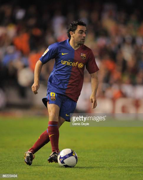 Xavi Hernandez of Barcelona in action during the La Liga match between Valencia and Barcelona at the Mestalla stadium on April 25 2009 in Valencia...