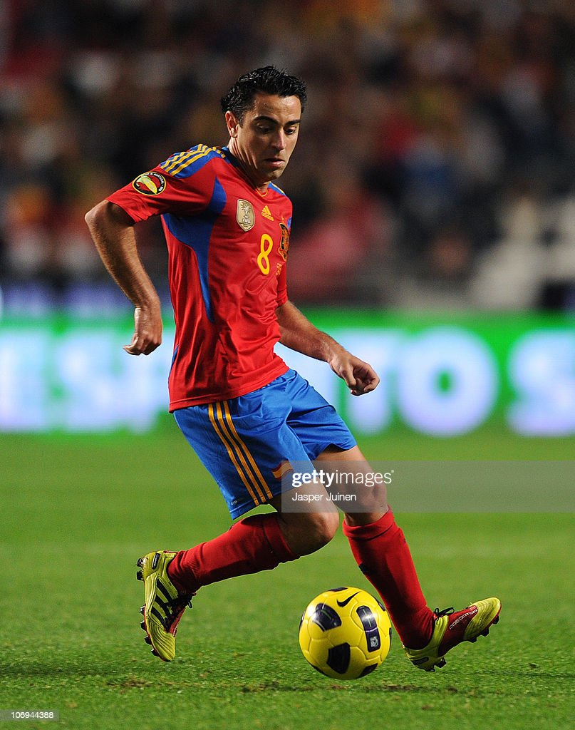 Xavi Hernandez of Spain controls the ball during the International Friendly match between Portugal and Spain at the Estadio da Luz on November 17, 2010 in Lisbon, Portugal.