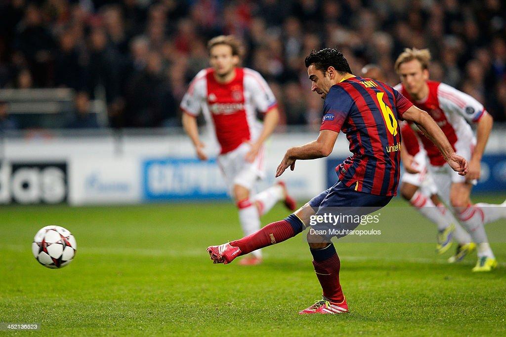 Ajax Amsterdam v FC Barcelona - UEFA Champions League : News Photo