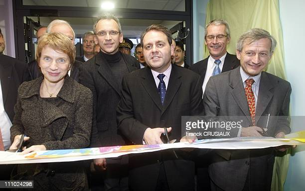 Xavier Bertrand Minister of Labour Social Relations and Solidarity and Laurence Parisot President of MEDEF inaugurated the multi creche 'Pirouette...