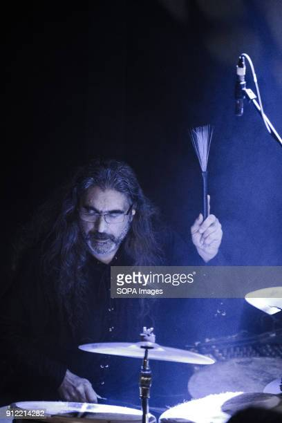 Xavier Ferreiro Liar Na Lubre's Latin percussion Luar na Lubre is a Spanish music band formed in 1986 they hosted their first gig in the UK in...