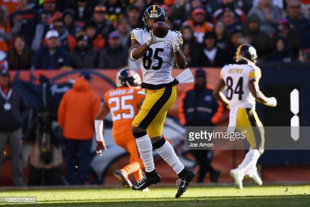 Xavier Grimble of the Pittsburgh Steelers catches a pass during the second quarter against the Denver Broncos. The Denver Broncos hosted the...