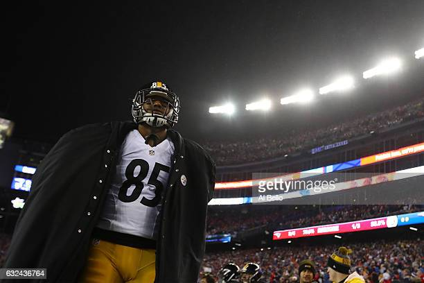 Xavier Grimble of the Pittsburgh Steelers walks off the field after his teams 36-17 loss to the New England Patriots in the AFC Championship Game at...