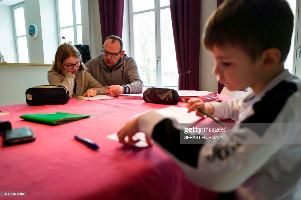 FRANCE-HEALTH-VIRUS-SCHOOL : News Photo