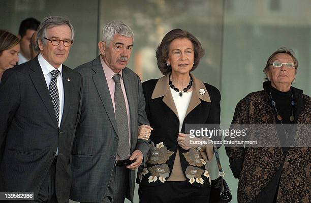 Xavier Trias Pasqual Maragall Queen Sofia of Spain and Diana Garrigosa visit the Pasqual Maragall Foundation at Barcelona Biomedical Service on...