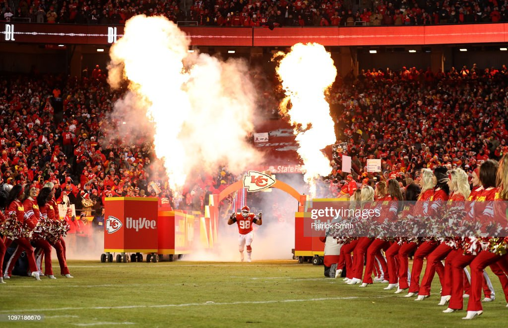 Xavier Williams Of The Kansas City Chiefs Runs Onto The Field Prior News Photo Getty Images