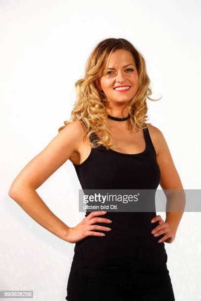 Xenia Prinzessin von Sachsen tanzt fuer das Bundesland Sachsen bei dem Pressetermin zur pro7 Sendung > Deutschland tanzt < im Sohohaus in Berlin...