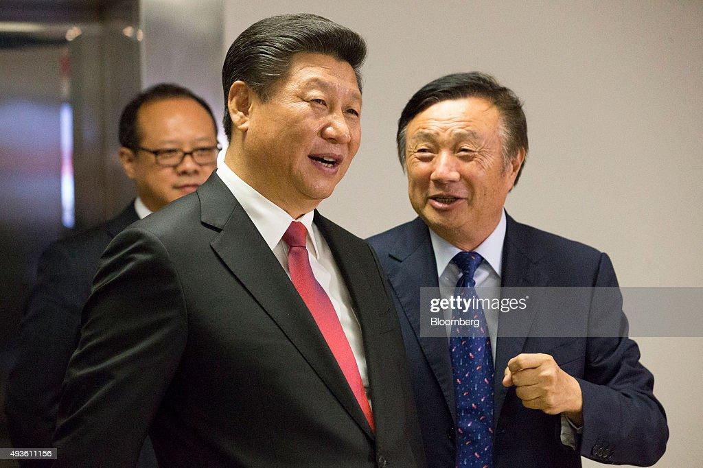 China's President Xi Jinping Visits Huawei Technologies : News Photo