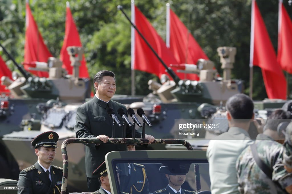 Chinese President Xi Jinping Visits of the People's Liberation Army's Hong Kong Garrison : Nachrichtenfoto