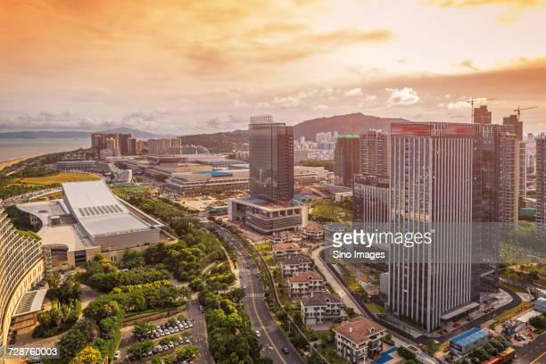 xiamen city with skyscrapers at sunset, fujian, china - xiamen fotografías e imágenes de stock