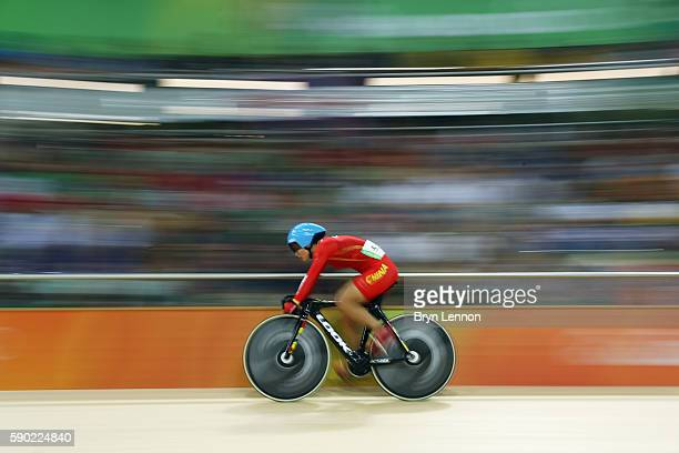 Xiaoling Luo of China competes during the Women's Omnium Points race on Day 11 of the Rio 2016 Olympic Games at the Rio Olympic Velodrome on August...