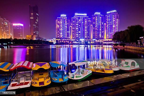 xibei hu  at night - wuhan stock-fotos und bilder